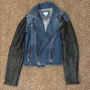 Kendall and Kylie jacket size M